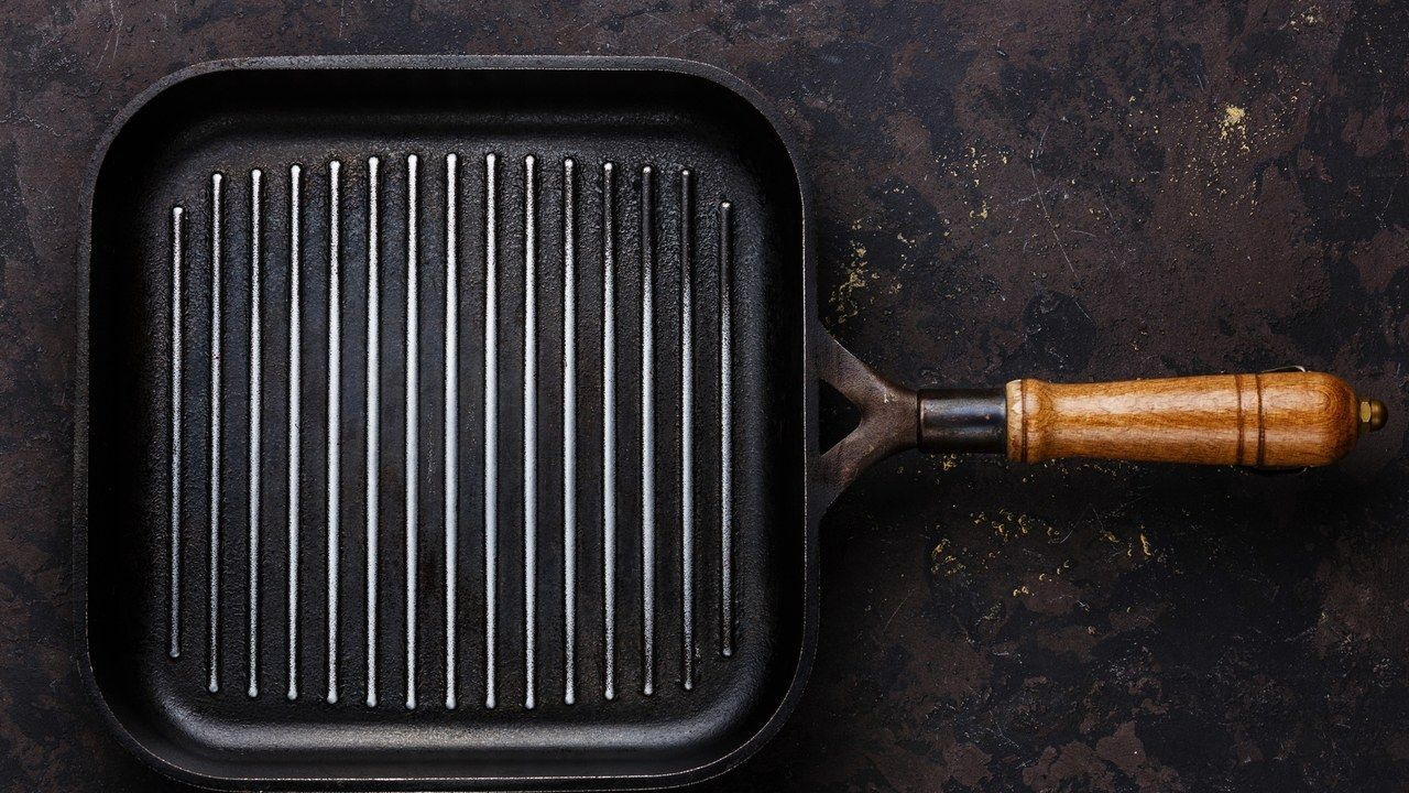 Why You Need a Cast-Iron Grill Pan at Home (And How to Use O…