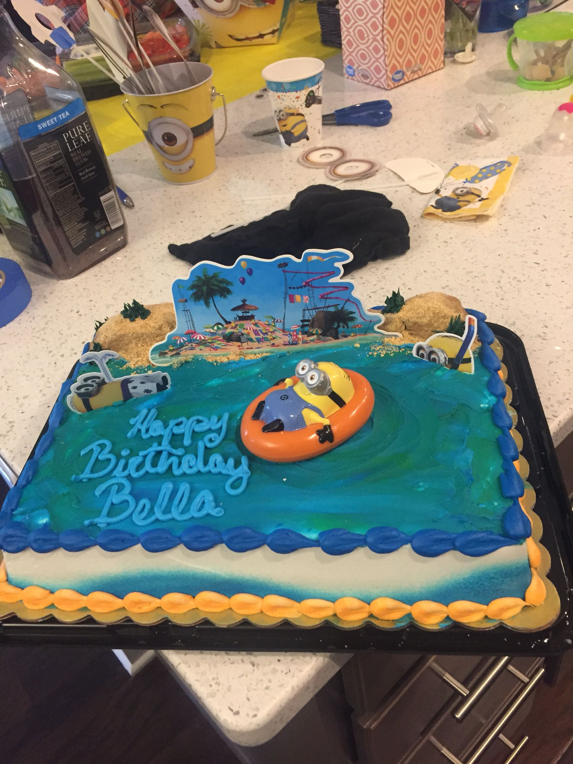 Wondrous Minion Birthday Cake From Harris Teeter Minion Birthday Cake Funny Birthday Cards Online Hendilapandamsfinfo