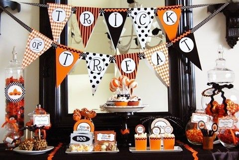 Halloween Tablescape Ideas - Its Overflowing DIY Decor  Crafts - ideas of what to be for halloween