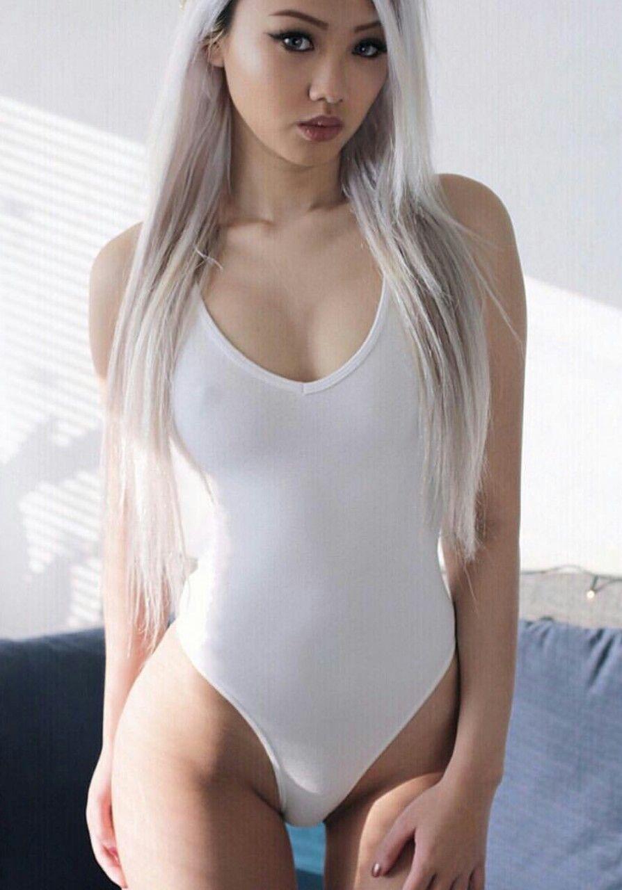 Free selfsuck dickgirl porn