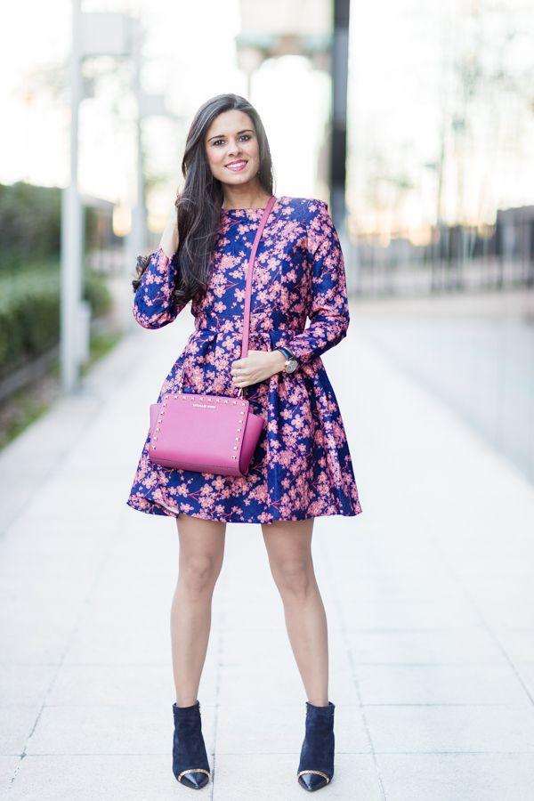Floral Winter Dress   Bolsos rosados, Vestidos de flores y Michael kors
