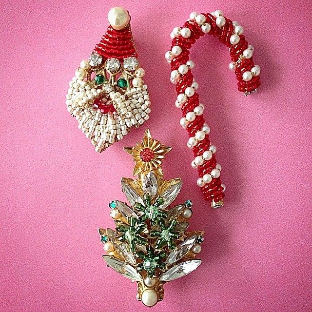 Christmas in July! Holiday pins inspired by our favorite 1950's ornaments now in the works in our NYC design studio. See the collection in our showroom and this fall at www.miriamhaskell.com #holiday #holiday2016 #xmas #christmas2016 #candycane #santa #santababy #hohoho #xmastree #vintage #1950s #chritmasinjuly #santasworkshop #madeinnyc #miriamhaskell #costumejewelry #thebestgift