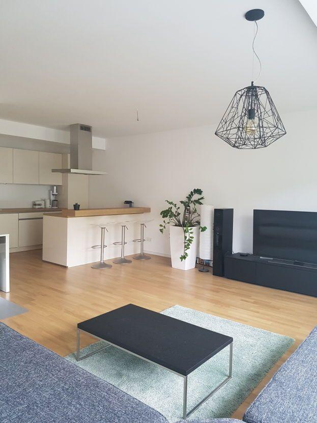 Schöne, geräumige zwei Zimmer Wohnung in Berlin