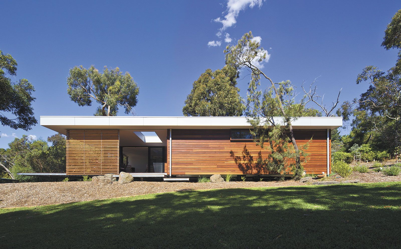 eve house installed at mount eliza victoria architecture prefab rh pinterest com