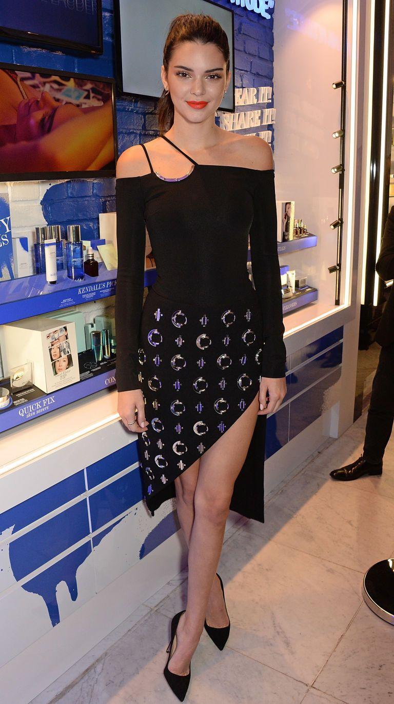 Pink cut out dress kim kardashian  Best Looks Kendall Jenner  Kardashian Jenner style and Kardashian