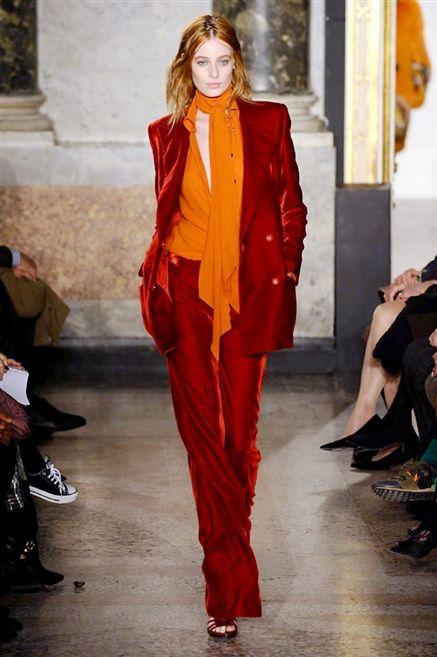I love velvet, I love colors, I love the design (but my legs need 15 cm to wear it).