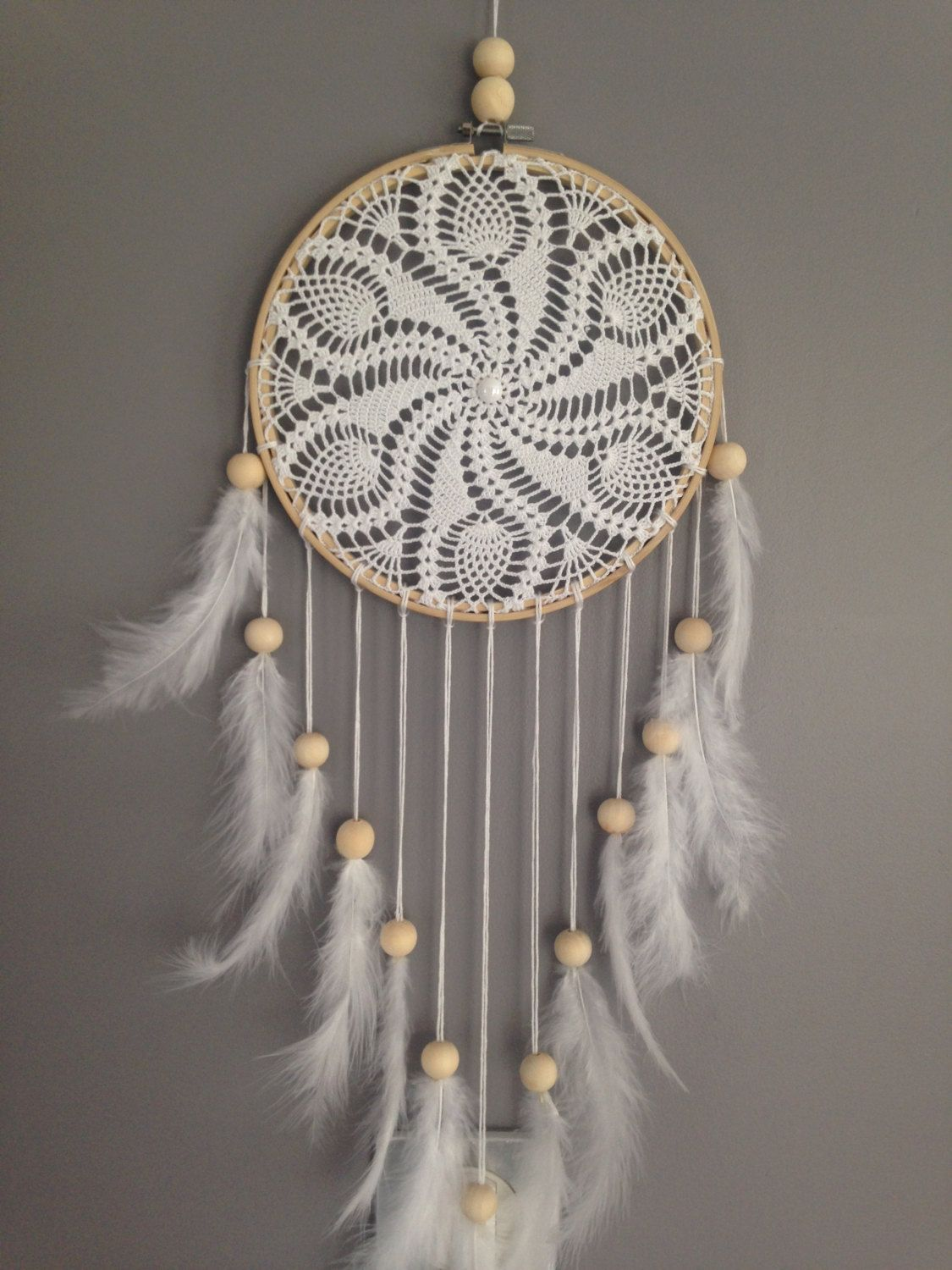 Dream catcher in crochet lace white color dream catcher for Dreamcatcher beads meaning
