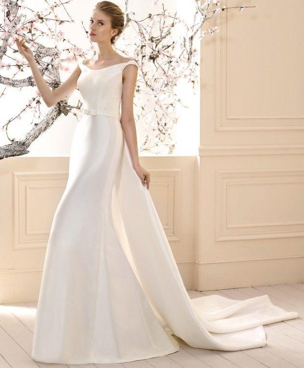 debbie, vestido de novia white one. con cola postiza en raso o