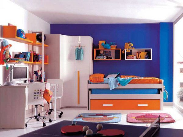 orange white and blue kids room decor. - play on illini colors
