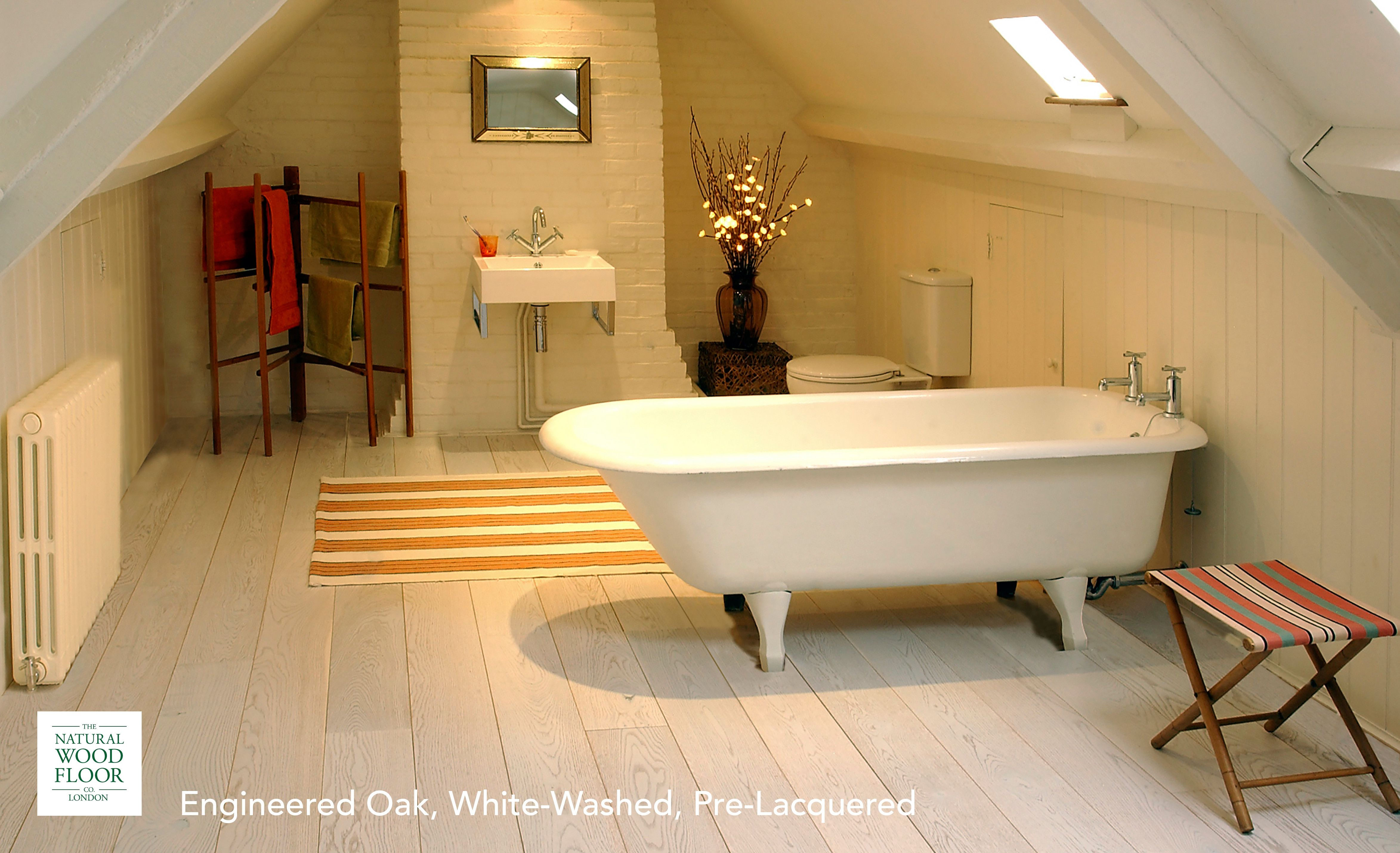 The Natural Wood Floor Company S Engineered Oak White Board Is Perfect For A Bathroom Salle De Bain En Bambou Sol Vinyle Salle De Bains Sol En Bambou