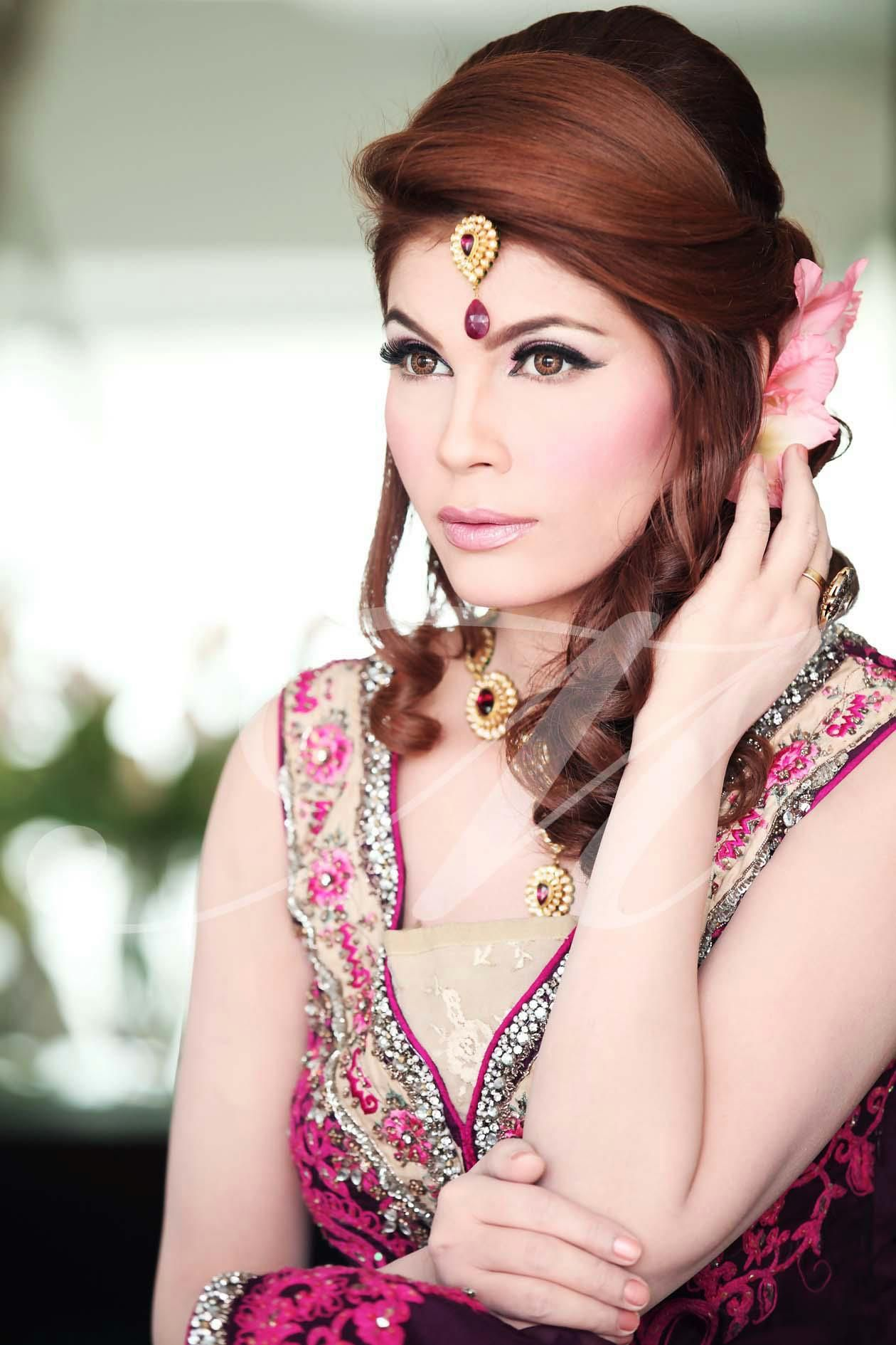 Contemporary Hair Style Complementing The Natural And Soft Makeup - Hairstyle for engagement girl