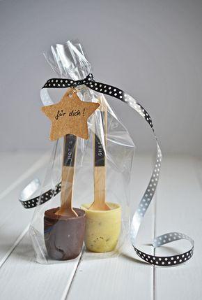 Geschenk aus der Küche selbnstgemachte Trinkschokolade in zwei - kleine geschenke aus der küche