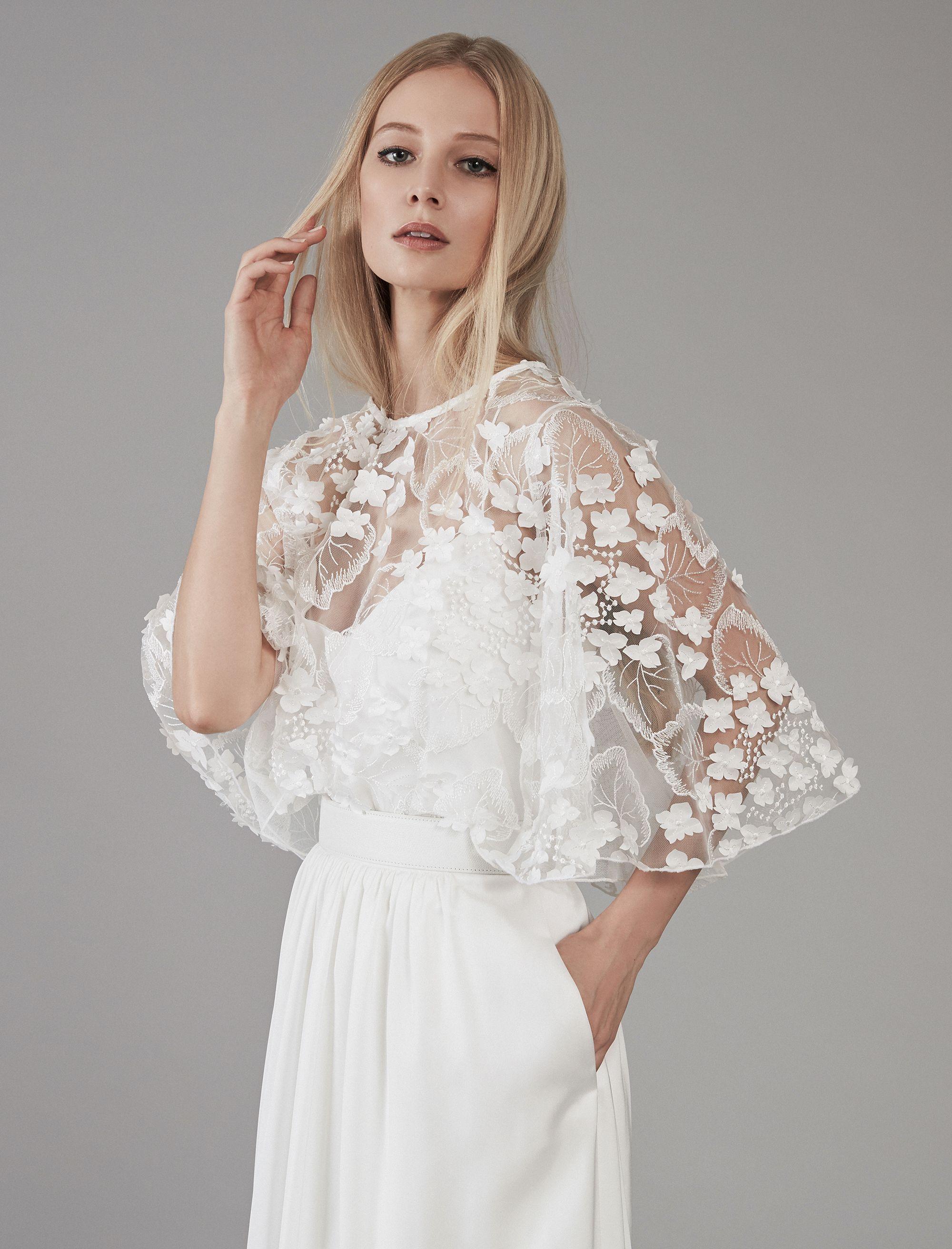 cape aus 3d-blumenapplikationen | hochzeitskleid, kleider