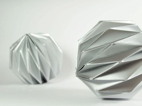 Origami Christmas Ball Ornaments C H R I S T M A S Pinterest
