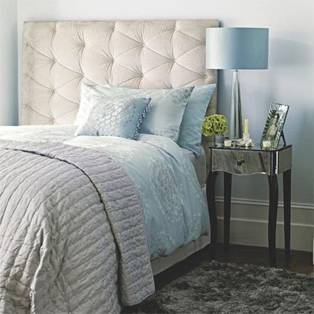 how to decorate warm comfortable cosy bedroom sophisticated