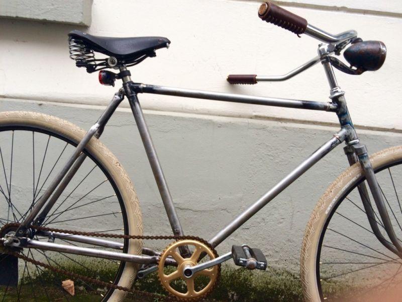 Frisch Aufgebauter Halbrenner Im Track Bike Stil Fahrrad Fahrt Sich Herrlich Entspannt Und Halbrenner Vintage C Fahrrad Kaufen Gebrauchte Fahrrader Fahrrad
