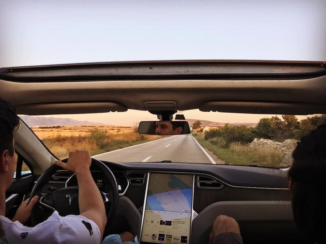 #driving #travel #road #teslamodels #electriccars #pagisland #zrcebeach