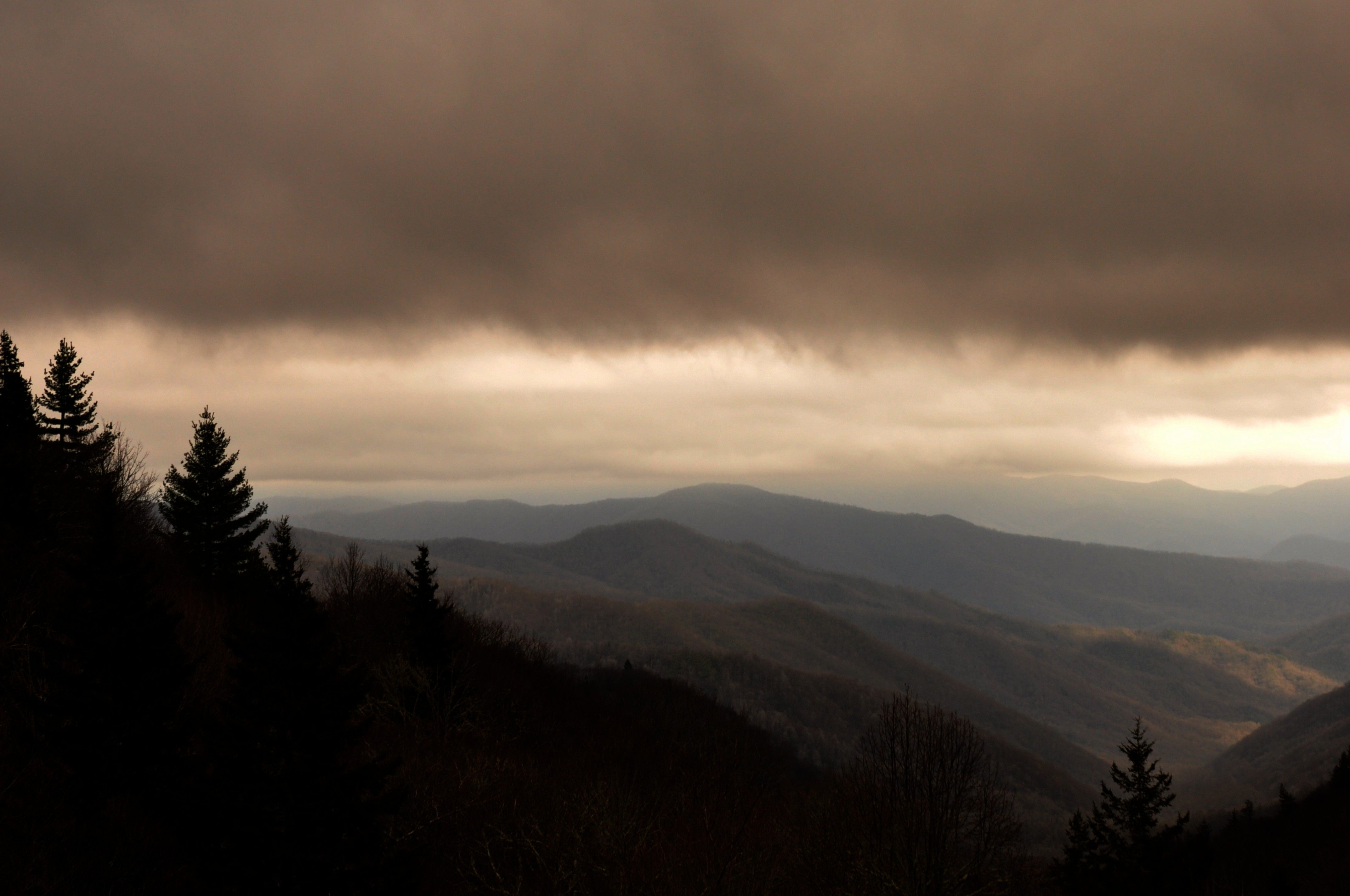 a stormy day in the smoky mountains the great smoky mountains rh pinterest com