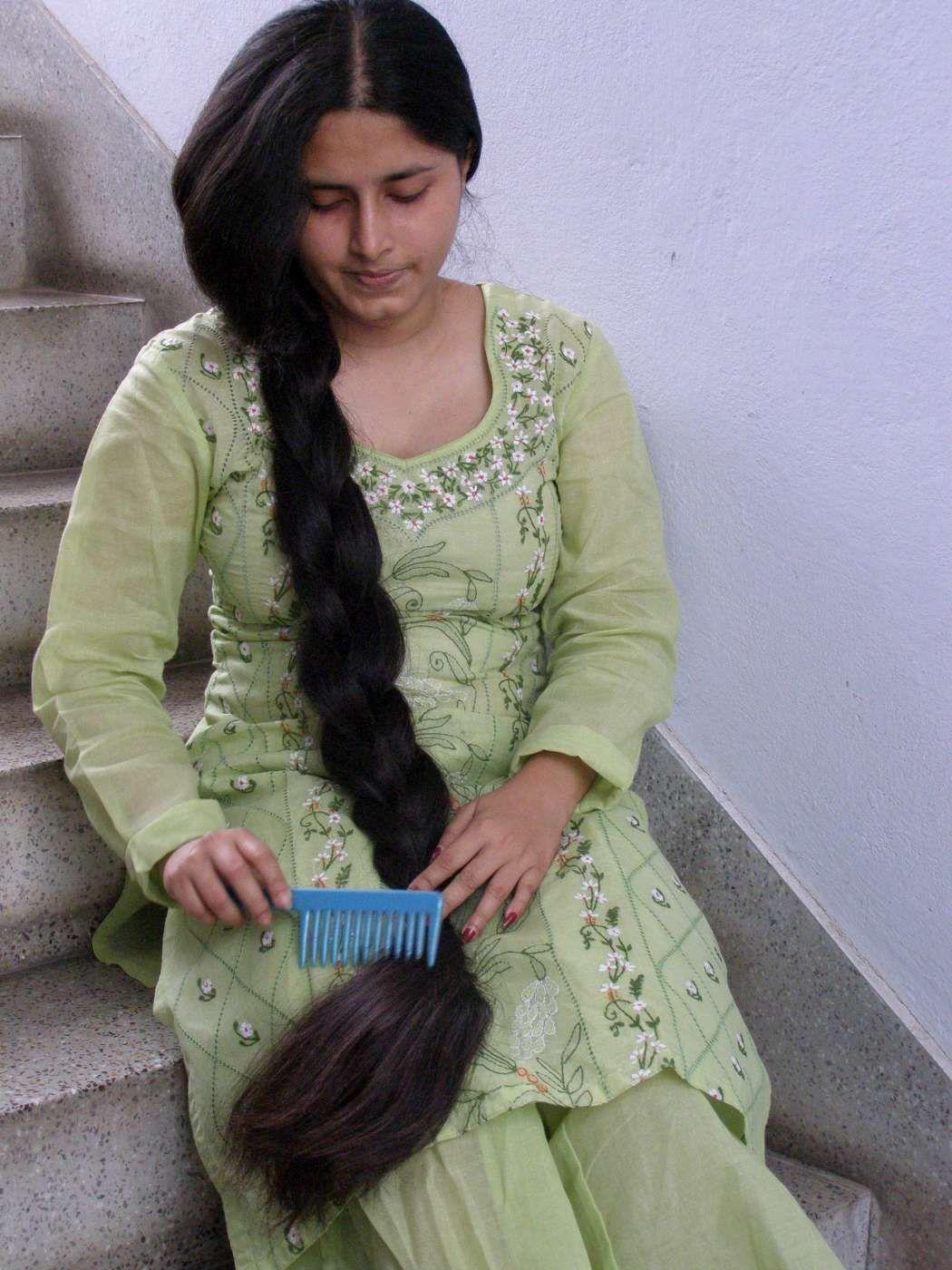 indian long hair braid | hair braid सुंदर वेणी