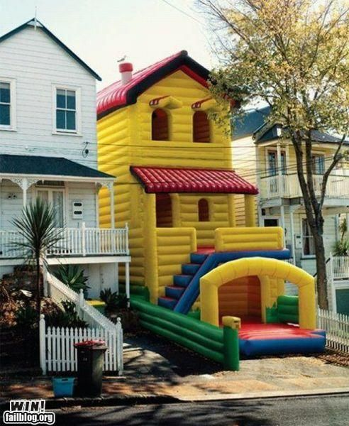 blow up house cool houses bouncy house funny things that bounce rh pinterest com