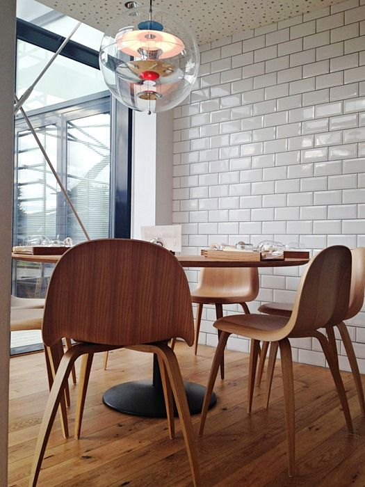 The chair is designed by Komplot Design for Gubi, made of oak and looks fab.