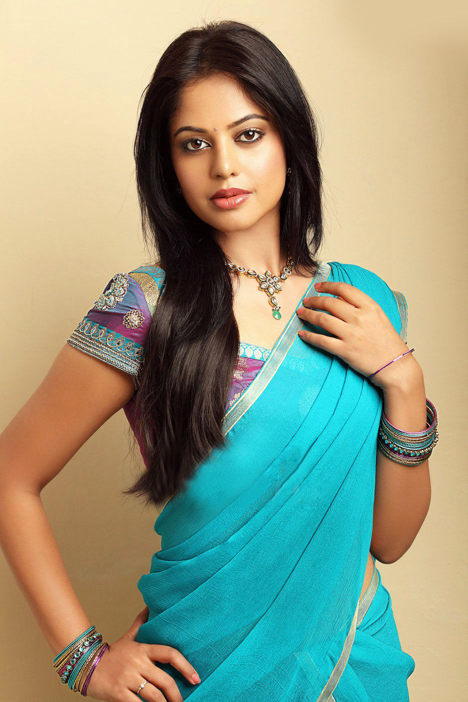 Bindu Madhavi Things To Wearsarees Pinterest Bindu Madhavi