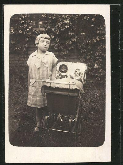 alte ak kleines m dchen mit puppen im kinderwagen ebay. Black Bedroom Furniture Sets. Home Design Ideas