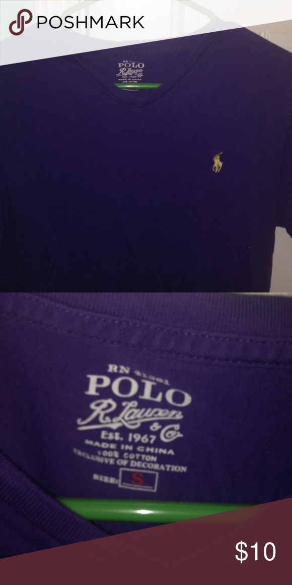 Polo t-shirt Slightly used. No holes or stains. Polo by Ralph Lauren Tops Tees - Short Sleeve