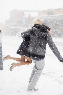 Girlfriend & boyfriend always helping each other! Love the girls outfit..