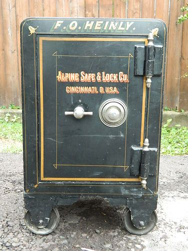 Old Antique Vintage Cast Iron Floor Safe Antique Safe Floor