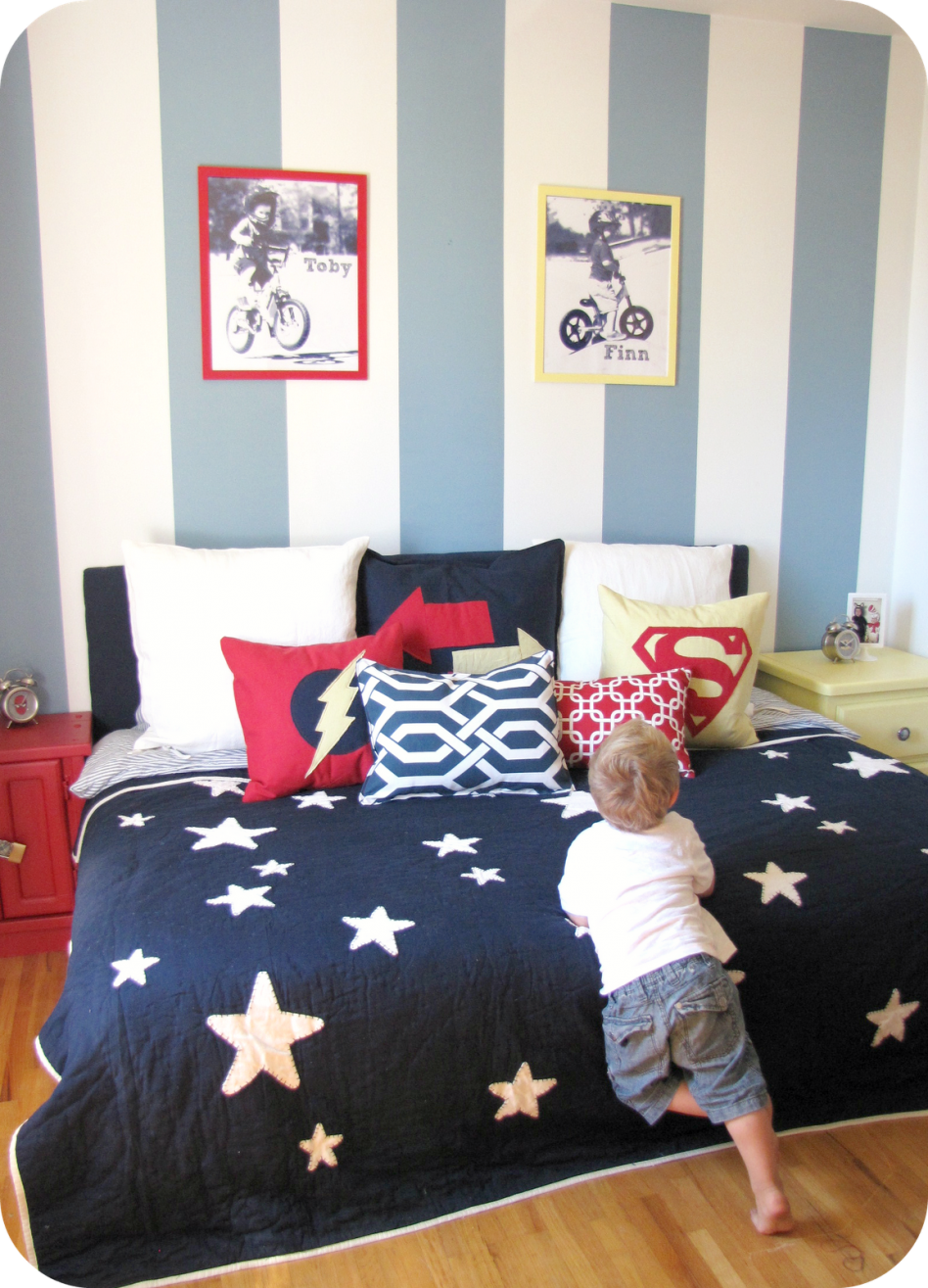 Kid Bedroom Cool Boy Decoration With Star Patterned Bed Sheet Along Blue