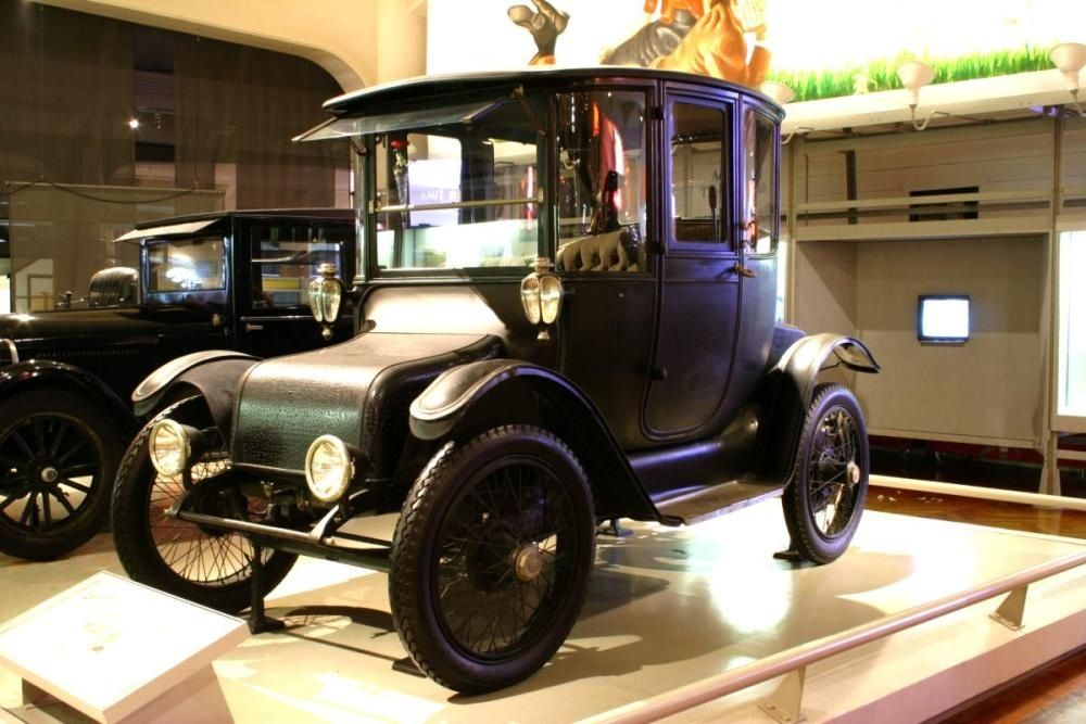 1910 Detroit Electric Car Electric Cars Power Cars Classic Cars