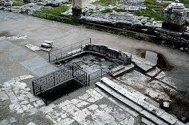 Lapis Niger Black Stone Is An Ancient Shrine In The Roman Forum Together With The Associated Vulcanal A Sanctuary To Vulcan Rome Ancient Tomb Ancient Rome