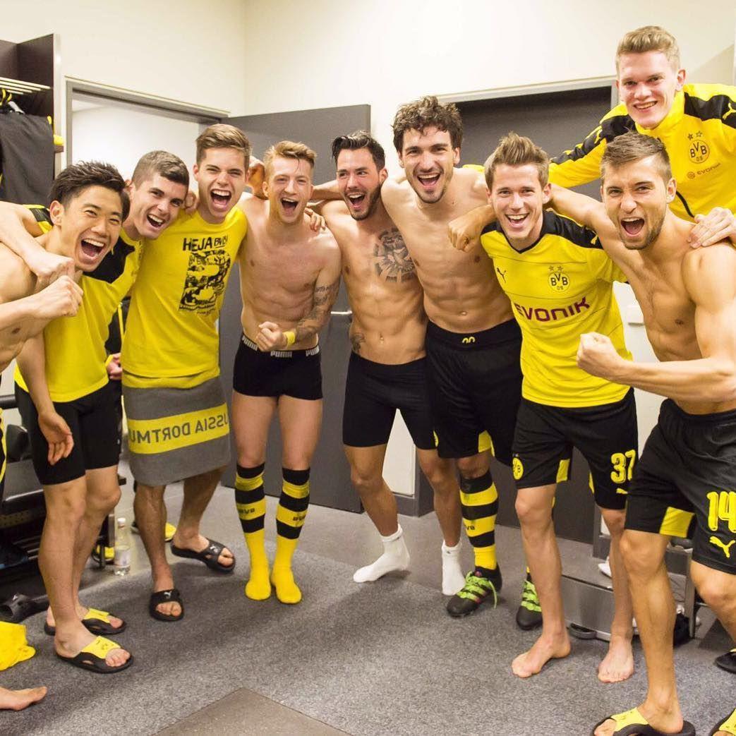 Julian Weigl On Instagram Finale Team Bvb 09 Happy Bvb Dortmund Dortmund Fussball Bvb Fussball