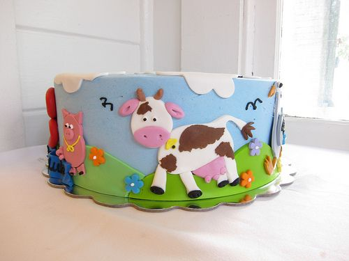 FARM ANIMAL CAKE EGE BIRTHDAY CAKE Farm animal cakes Animal