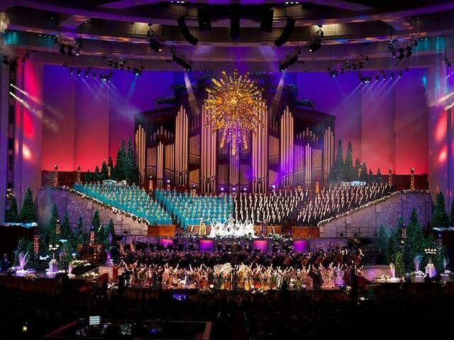 Pin By Stephanie Pearson Thompson On Church Pictures Tabernacle Choir Christmas Concert Choir