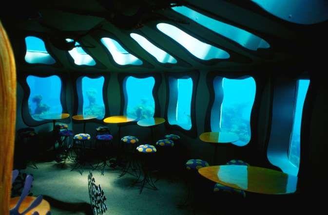 World S Weirdest Restaurants Themed Cafes Underwater Restaurant Unique Restaurants