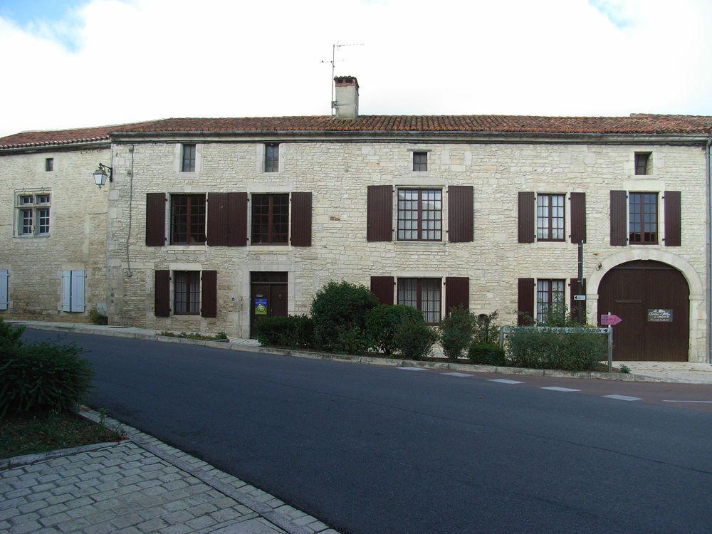 Chambres D Hotes Le Relais 16g9118 A Tusson En Charente Gite Chambre D Hote Chambre