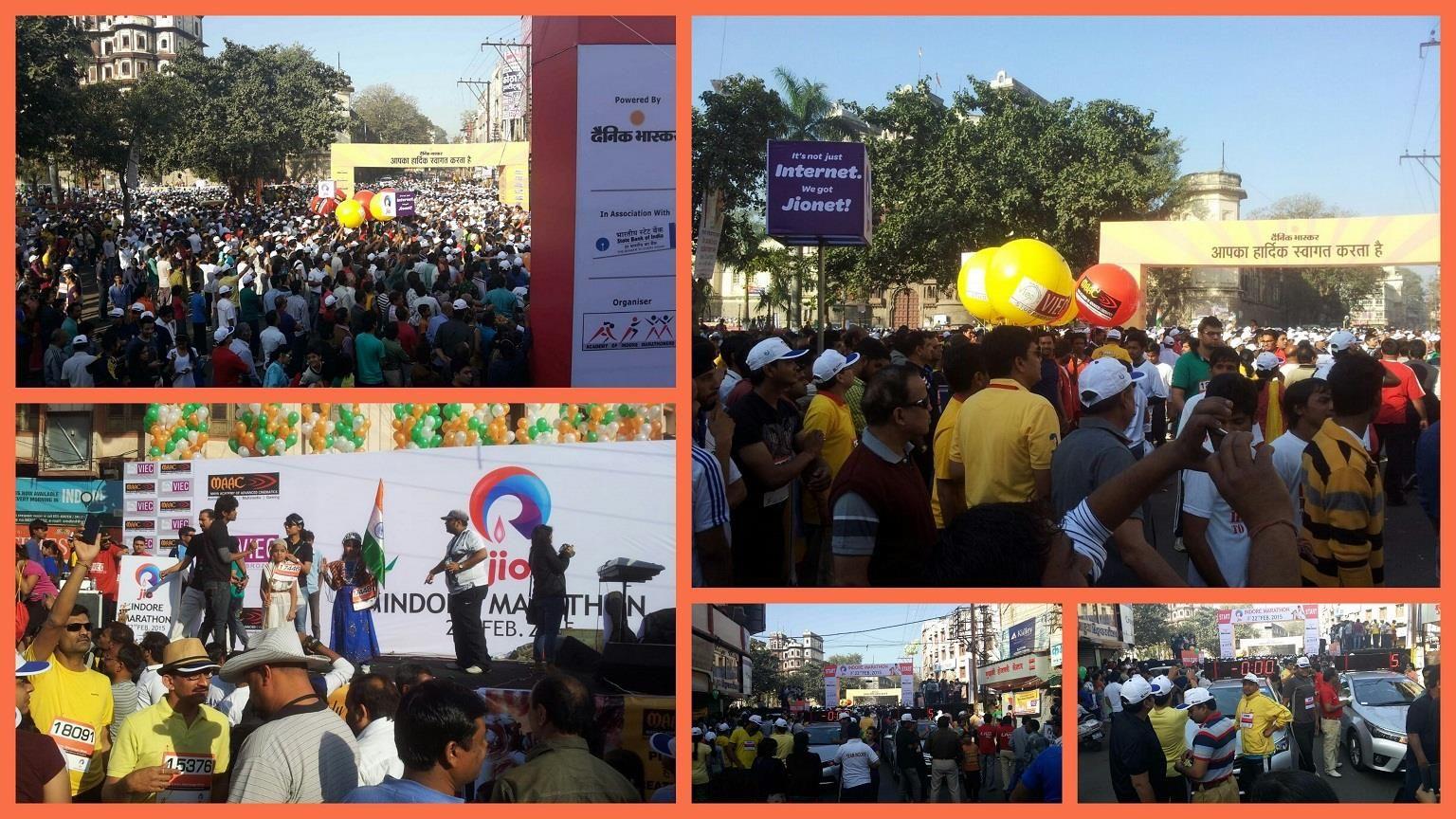Huge Crowd gathering @ #Rajwada to welcome all Participants of #JioIndoreMarathon !!  #RunIndoreRun #Indore
