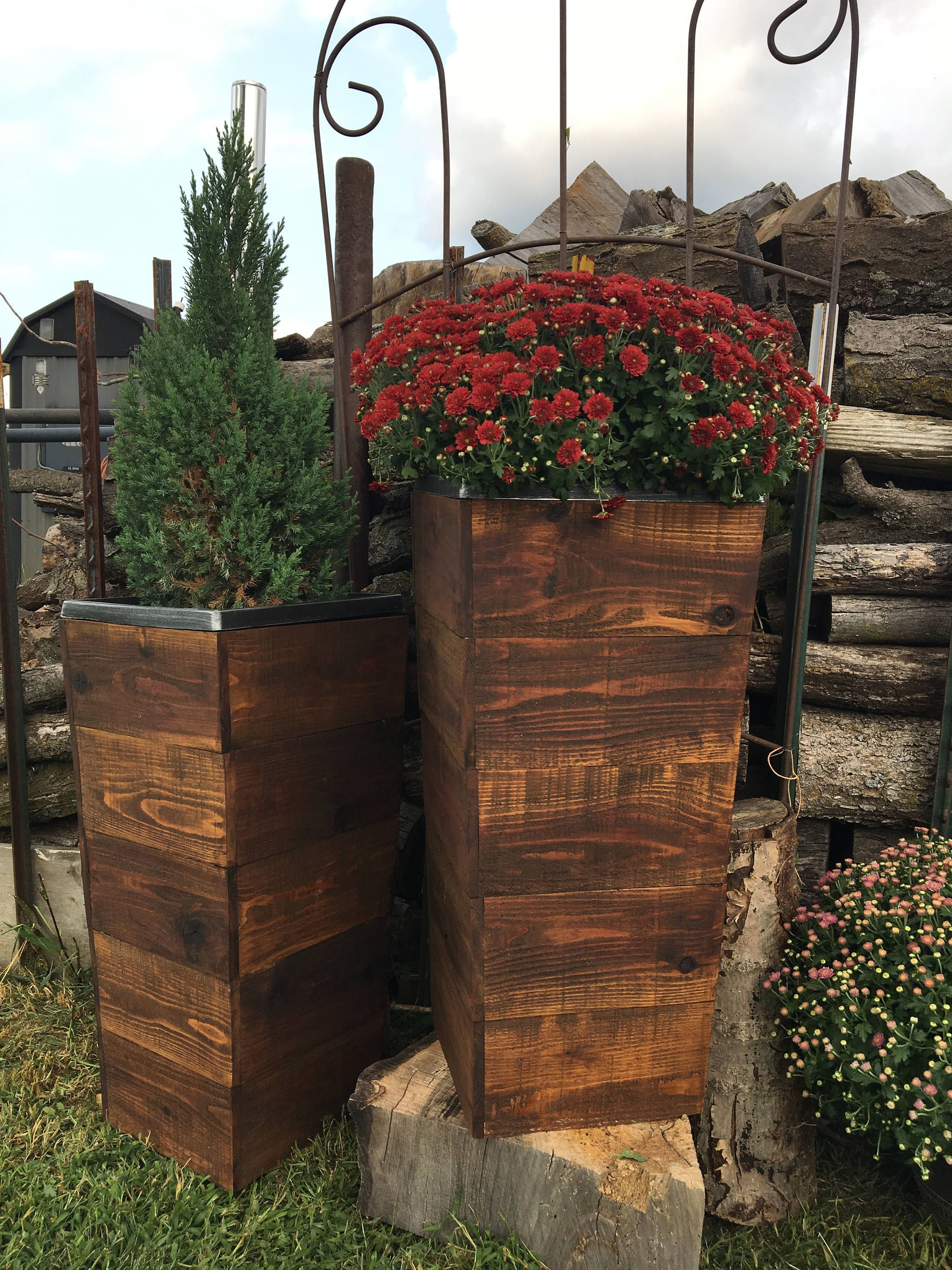 28 Tall Cedar Wood Rustic Planter Box Rustic Planter Etsy In 2020 Rustic Planters Wood Planters Tall Planters