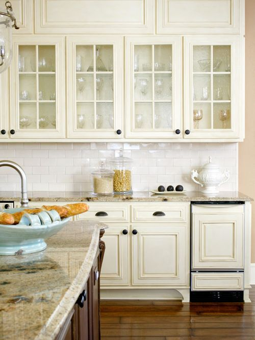 Antique white kitchens are very attractive and popular because they always  look so elegant and unique - 27 Antique White Kitchen Cabinets [Amazing Photos Gallery Kitchens