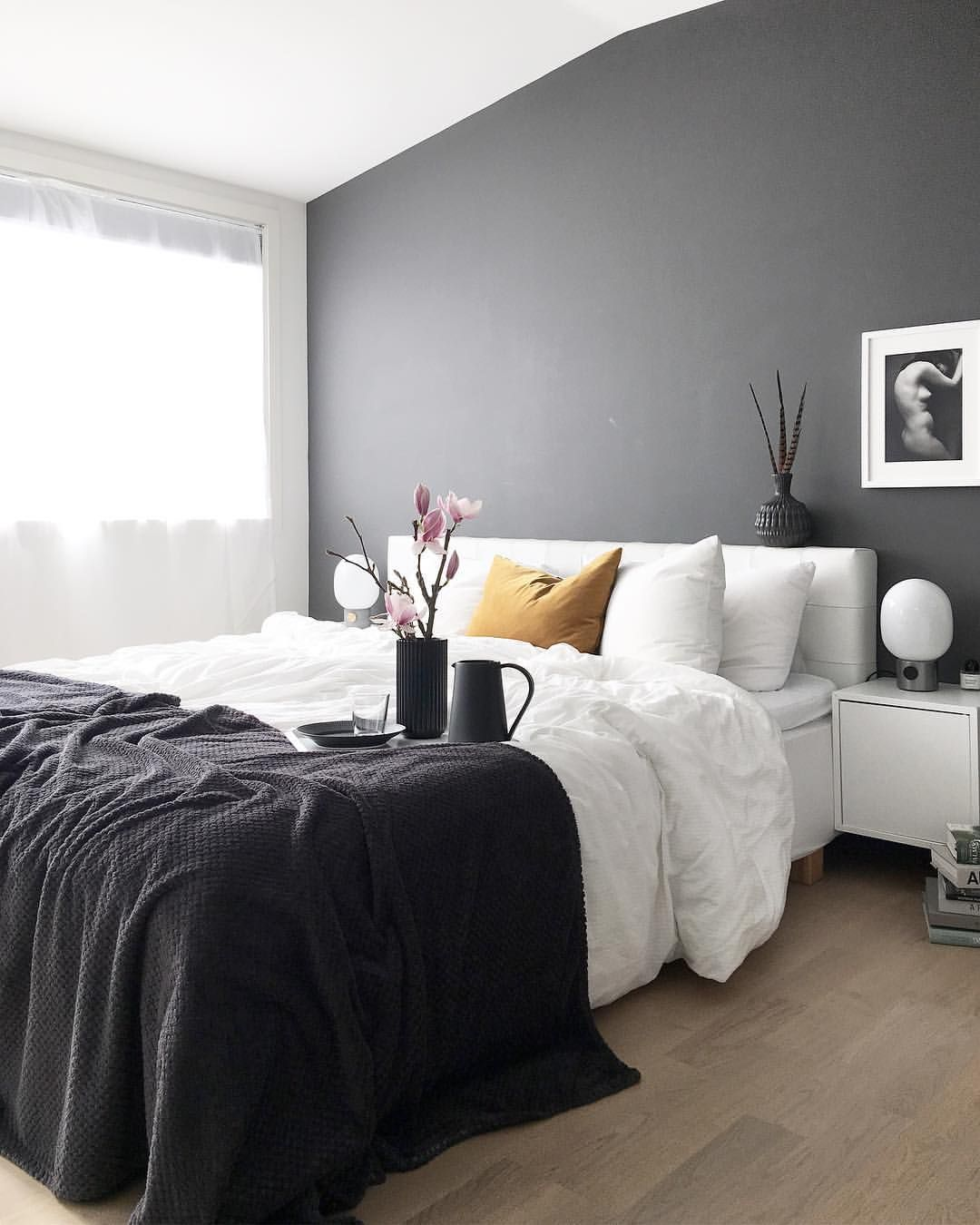 Gefallt 2 973 Mal 57 Kommentare Veronica Palettenoir Auf Instagram Most Liked Bedroom Post With Mo With Images Gray Bedroom Walls Bedroom Wall Bedroom Inspirations