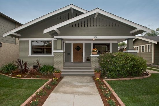 California Bungalow House In Long Beach California In