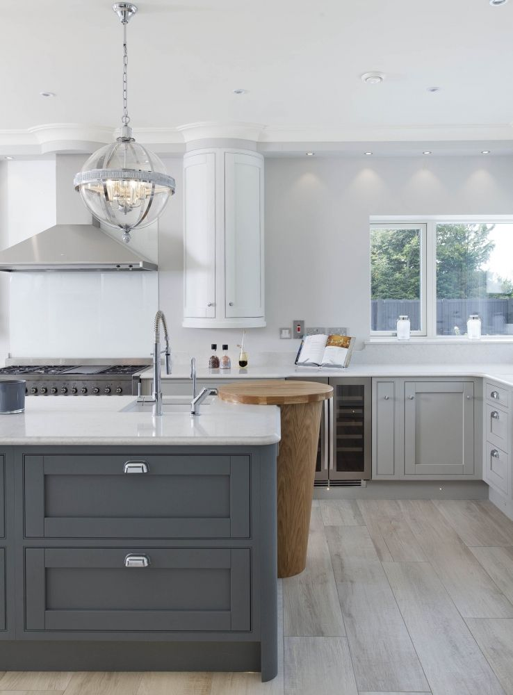 mixing rich painted finishes with solid oak the scheme has lots of rh pinterest com