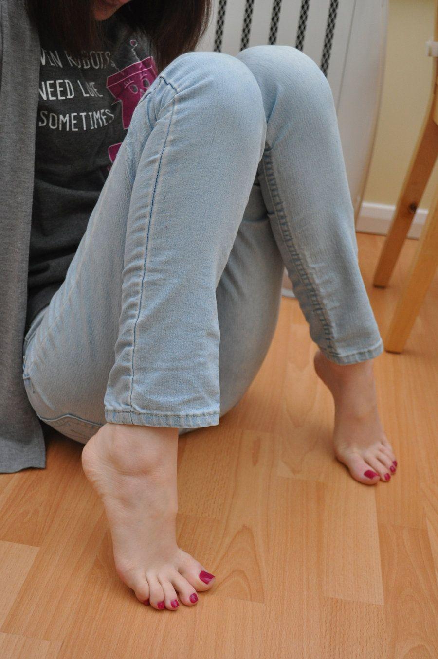 amazing posefoxy-feet.deviantart on @deviantart | adriana