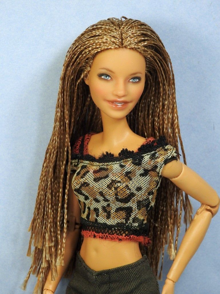 Barbie Made to Move Hybrid Doll with Fashionistas 160 Head