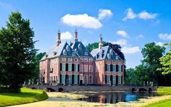 Duivenvoorde Castle is located near The Hague, between Voorschoten and Leidschendam. #Holland #Netherlands