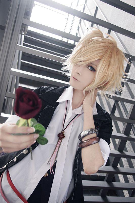 Akatsuki Tsukasa(紅月司) Kou Mukami Cosplay Photo - Cure WorldCosplay