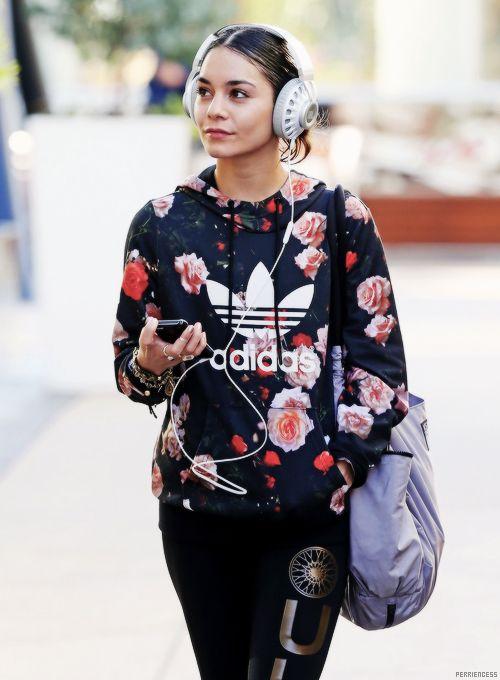 suche nach dem besten Trennschuhe noch eine Chance Floral Adidas Hoodie. Urban Fashion. Swag. Dope. Sporty ...