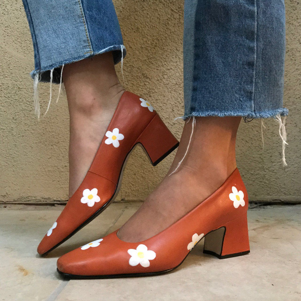 72a075ca5882 ON HOLD DO NOT BUY i absolutely adore this pair of hand painted white daisy  burnt orange office pumps 🌼 100% unique hand painted by me! you will be  the ...